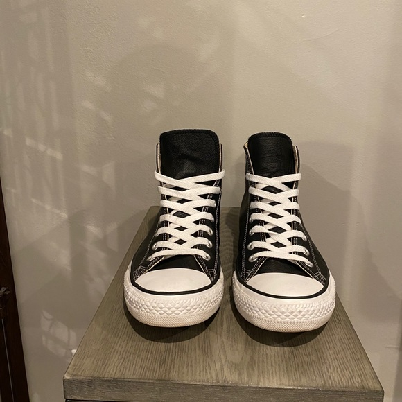 Chuck Taylor® All Star® Leather Hi - Classic